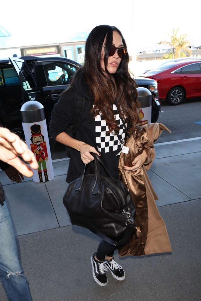 Megan Fox - Arrives at Los Angeles International Airport