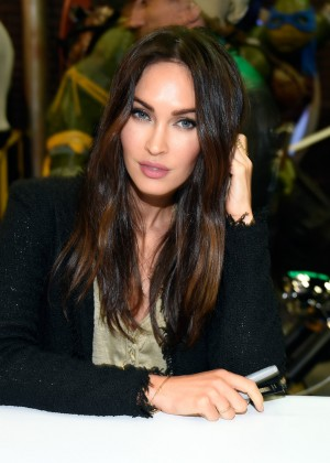 Megan Fox - Autograph Signing at Wonder Con in LA