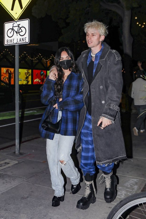 Megan Fox - Dinner candids at Via Veneto restaurant in Santa Monica