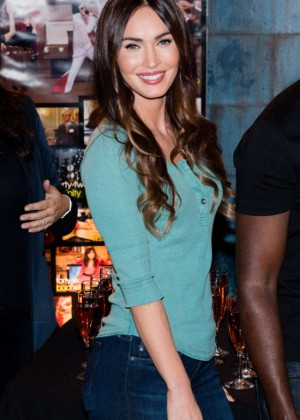 Megan Fox - FOX's 'New Girl' 100th Episode Cake Cutting in Culver City