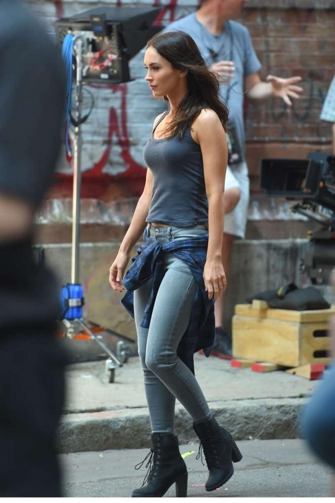 Megan Fox in Tight Jeans on 'Teenage Mutant Ninja Turtles 2' in NYC