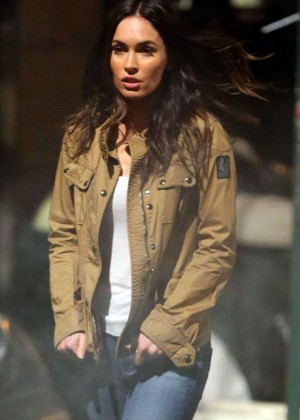 Megan Fox in Jeans on 'Teenage Mutant Ninja Turtles 2' set in NYC