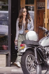 Megan Fox - Out in Calabasas