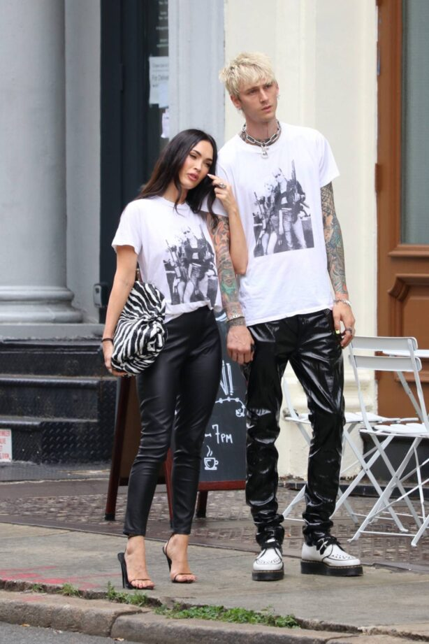 Megan Fox - Posing for a photo in New York