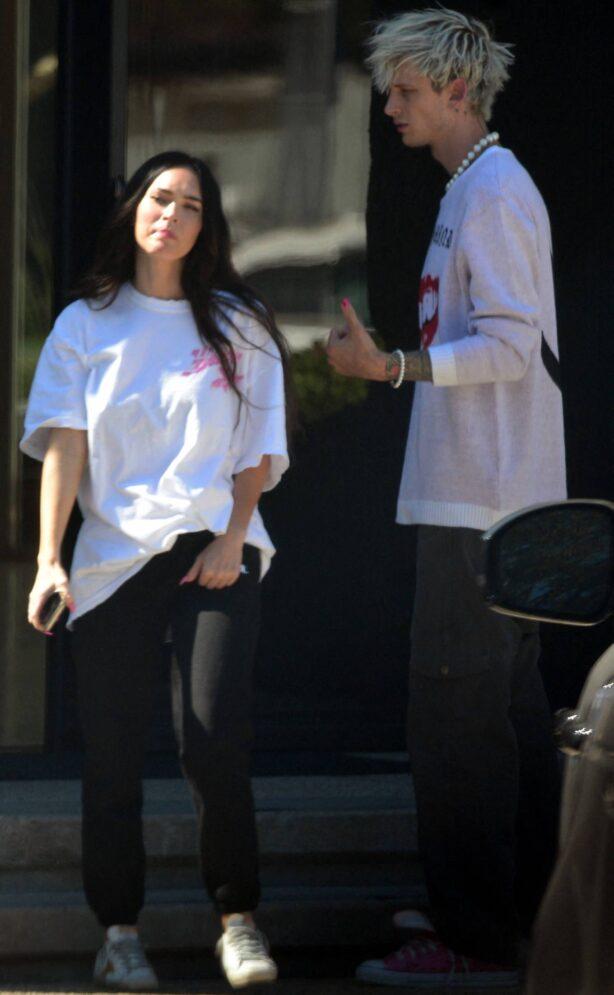 Megan Fox - Seen out with boyfriend Machine Gun Kelly in Los Angeles