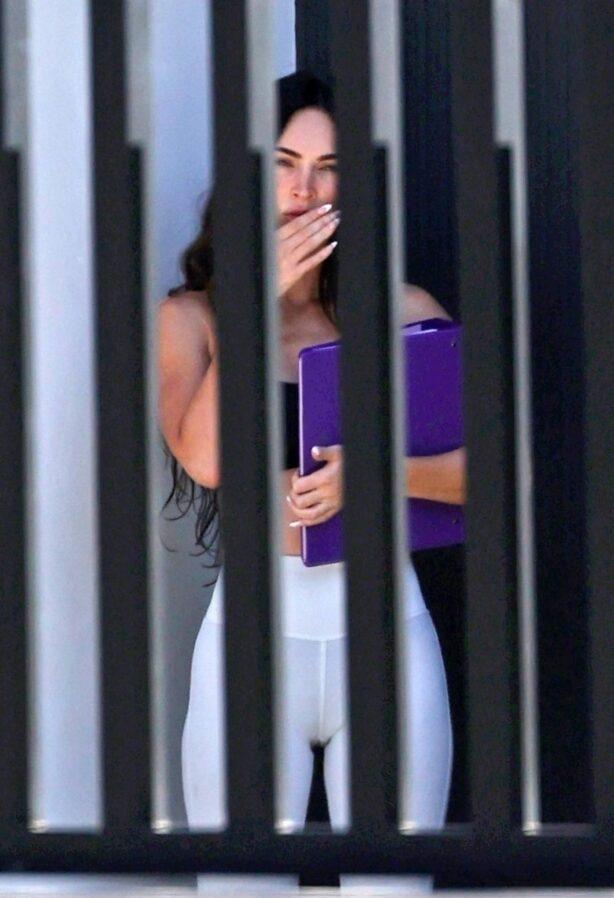 Megan Fox - Seen with boyfriend Machine Gun Kelly in Los Angeles