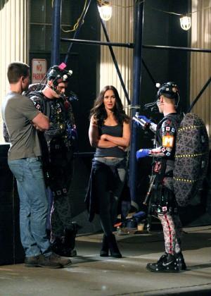 Megan Fox on Teenage Mutant Ninja Turtles 2 set -01