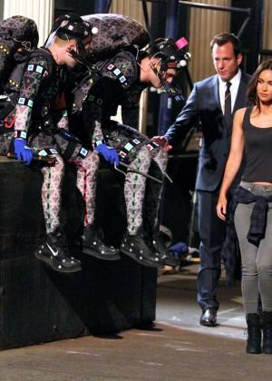 Megan Fox on Teenage Mutant Ninja Turtles 2 set -02