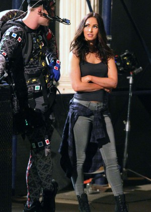 Megan Fox on Teenage Mutant Ninja Turtles 2 set -03