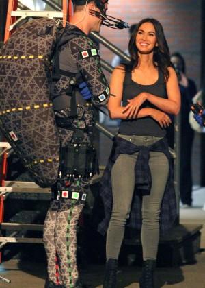 Megan Fox on Teenage Mutant Ninja Turtles 2 set -05