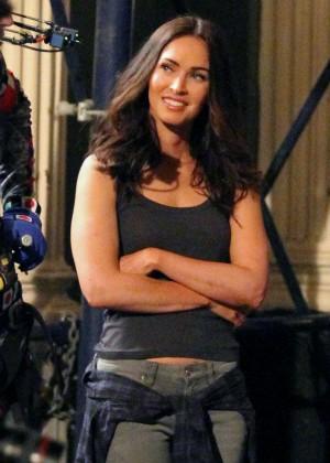 Megan Fox on Teenage Mutant Ninja Turtles 2 set -17