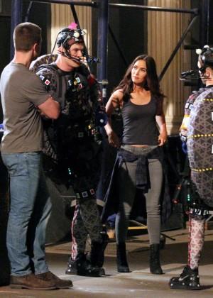 Megan Fox on Teenage Mutant Ninja Turtles 2 set -20