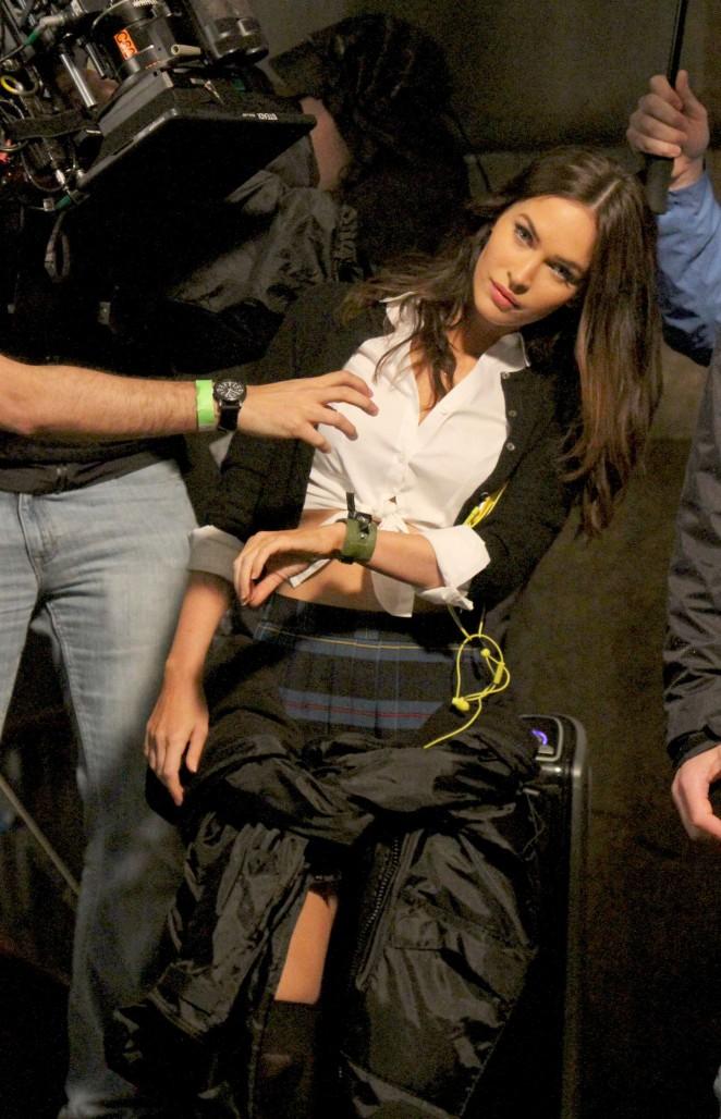 Megan Fox: Set of Teenage Mutant Ninja Turtles 2 -15
