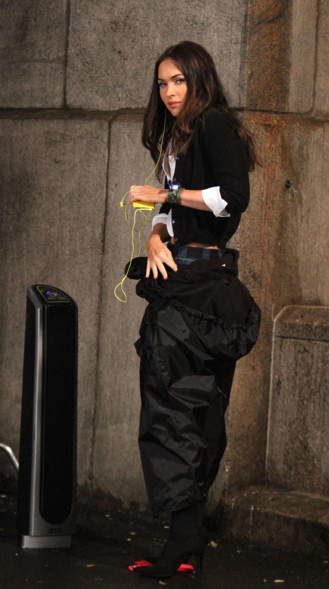 Megan Fox: Set of Teenage Mutant Ninja Turtles 2 -21