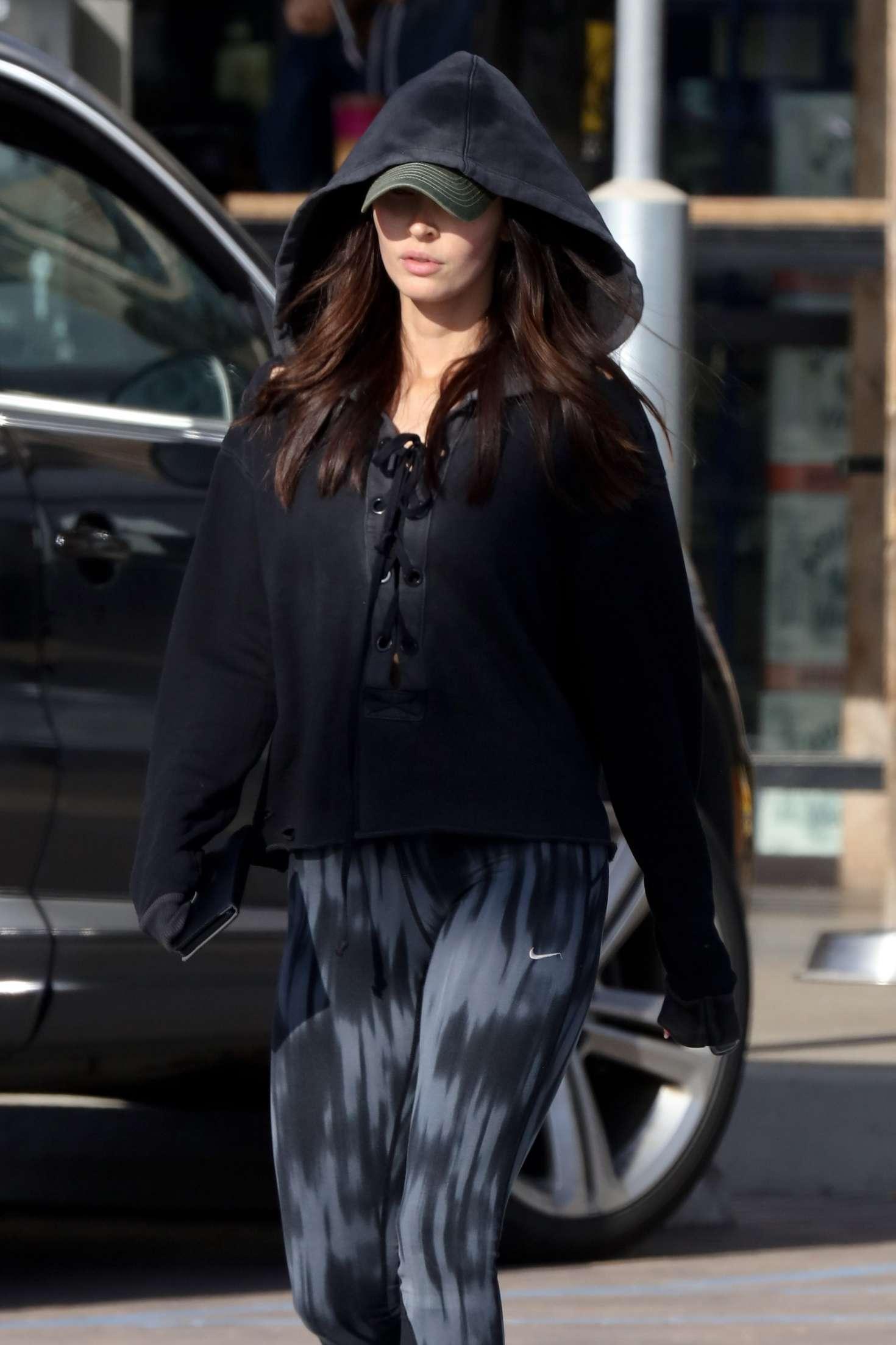 Megan Fox Shops At Trancas Country Market In Malibu