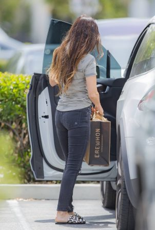 Megan Fox - Spotted at Erehwon Organic in Calabasas