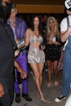 Megan Fox - Steps out for a post-VMA dinner in New York