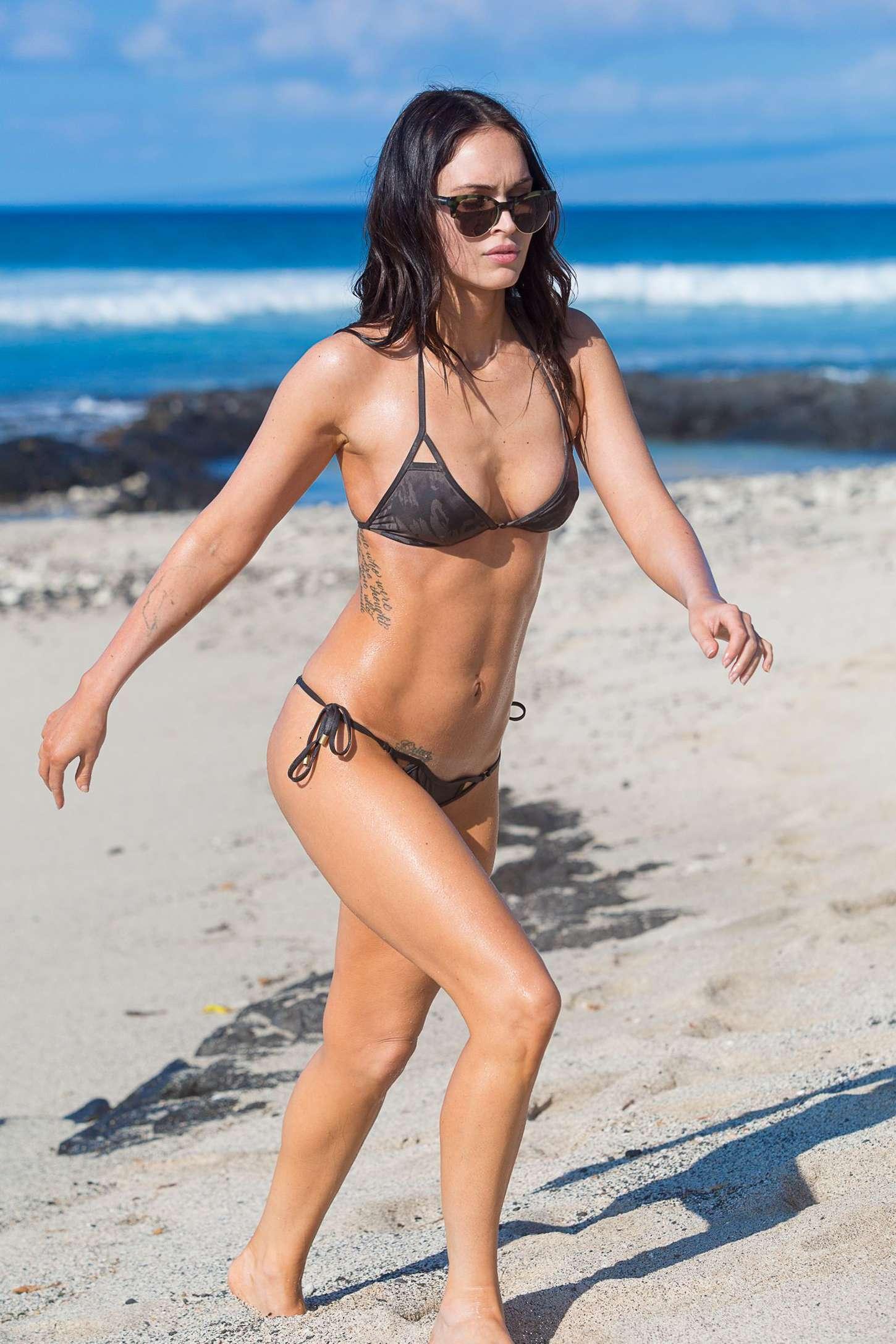Megan-Fox-in-Bikini--41.jpg