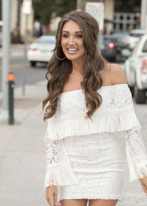 Megan McKenna Arrives to the Station Inn in Nashville