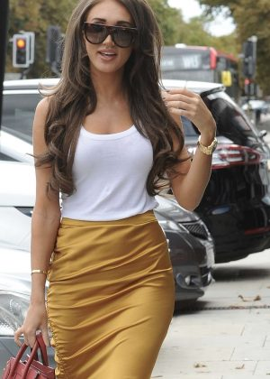 Megan McKenna - Filming in at her restaurant McK Grill in Woodford Green