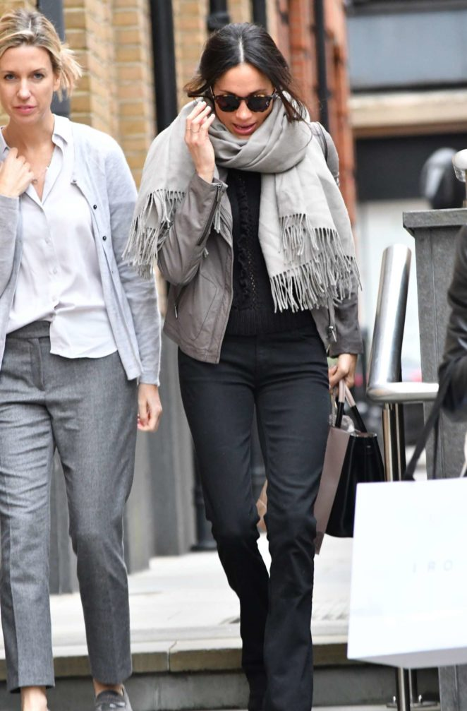 Meghan Markle At Christmas Shopping In London Gotceleb