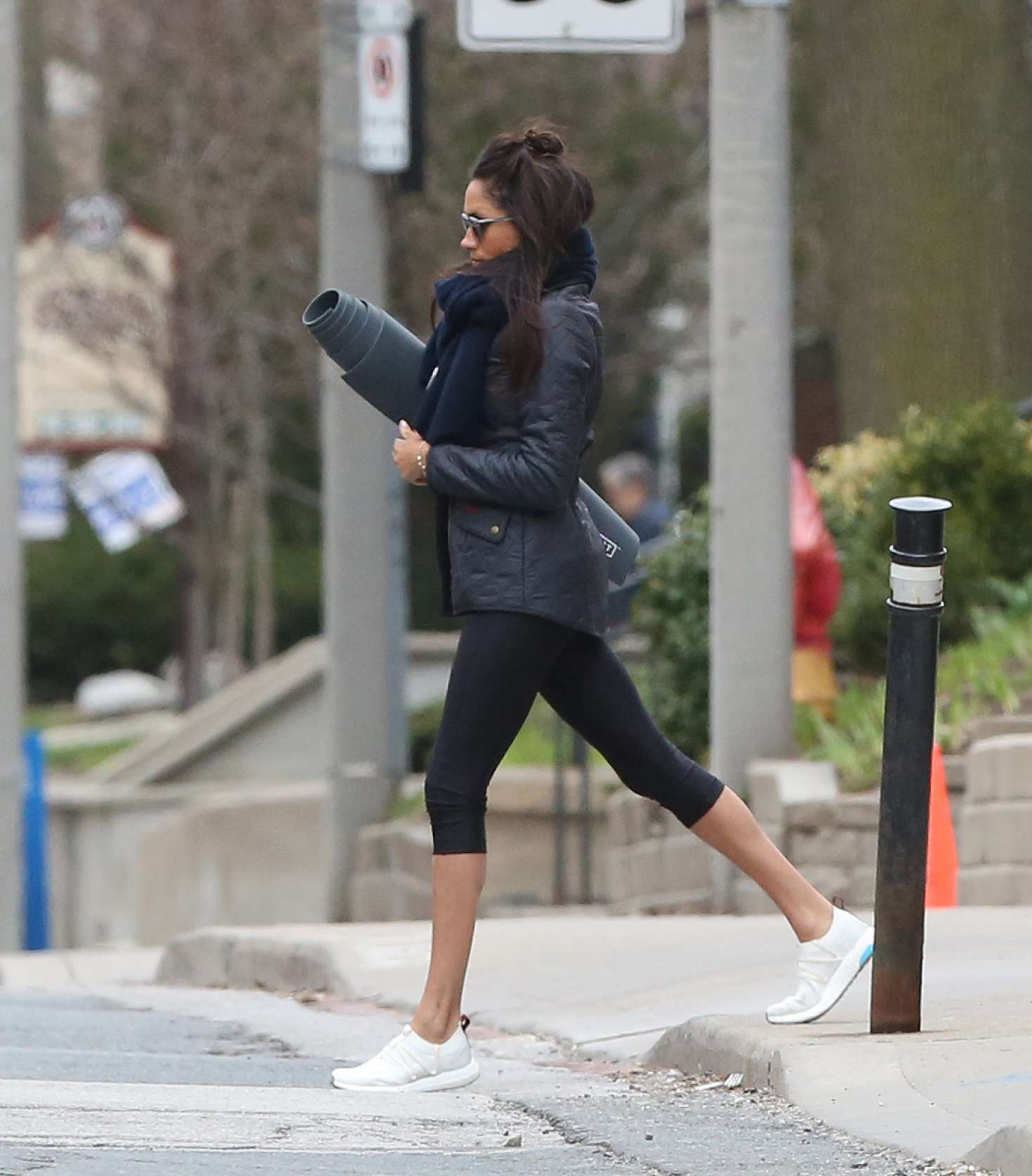 Meghan Markle Going To Yoga -04