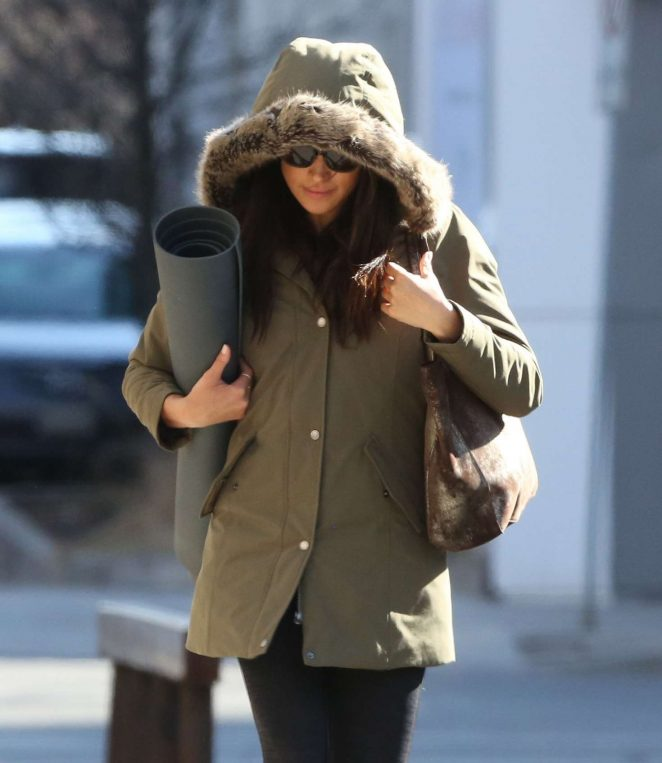 Meghan Markle Leaves Yoga Class in Toronto