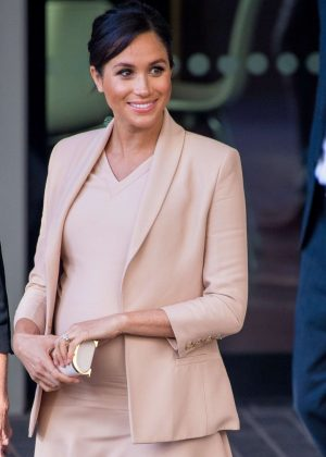 Meghan Markle - Outside the National Theatre in London