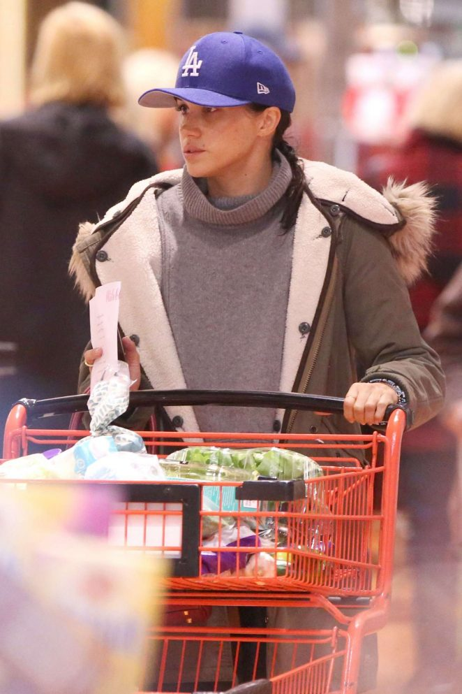 Meghan Markle Shopping in Toronto