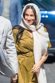Meghan Markle - Visiting Auwal Mosque the oldest mosque in Cape Town
