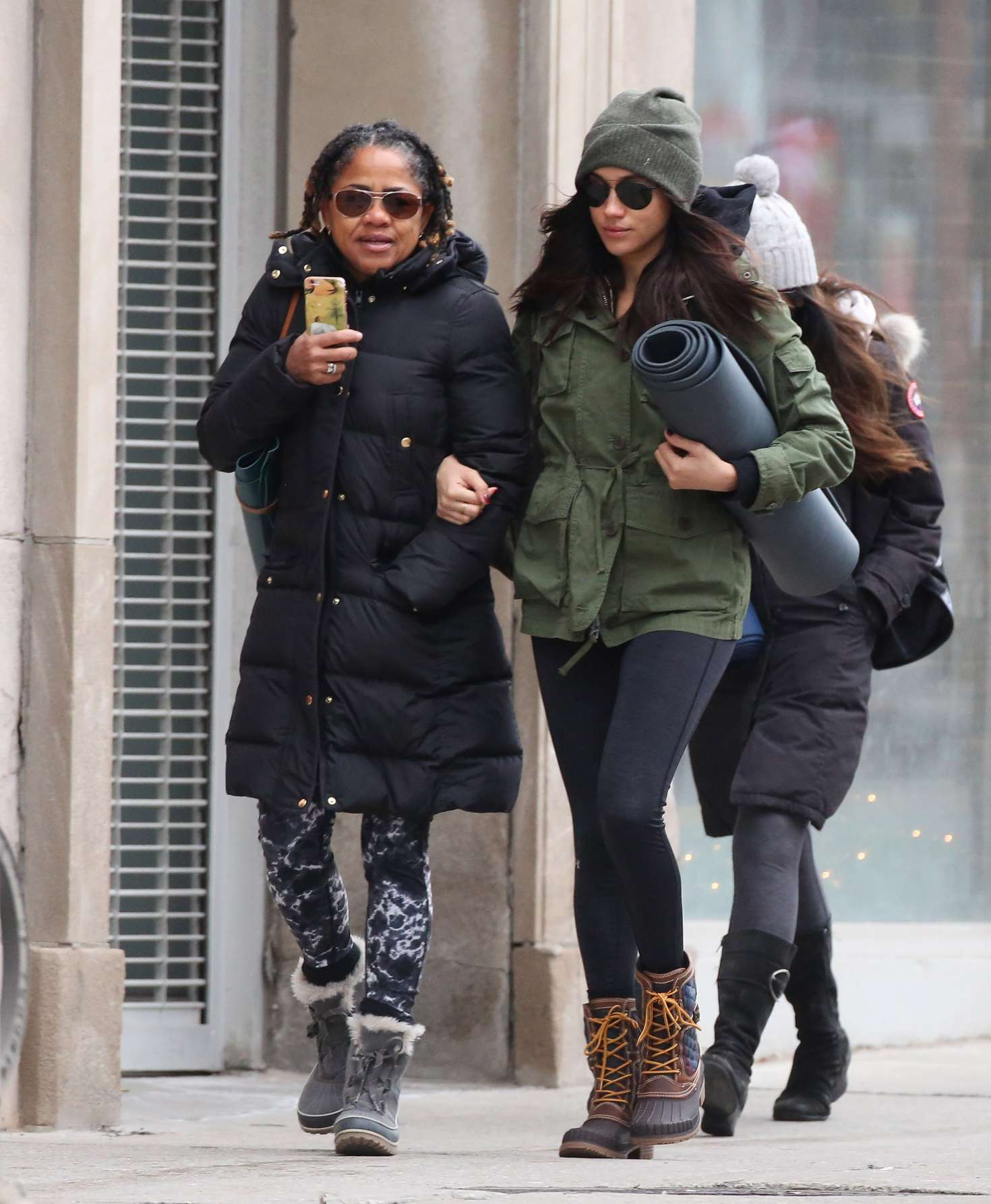 Meghan Markle with her mom going to Yoga in Toronto