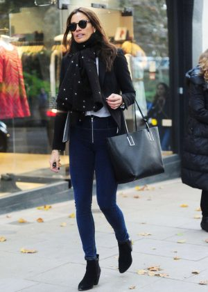 Melanie Sykes in Jeans Shopping in North London