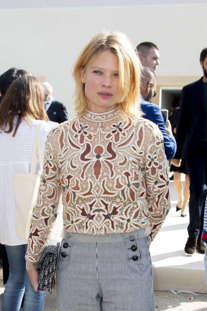 Melanie Thierry – Christian Dior Fashion Show in Paris