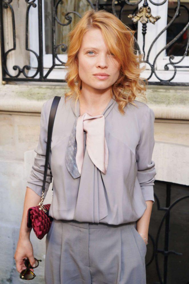 Melanie Thierry - Giorgio Armani Prive Show in Paris