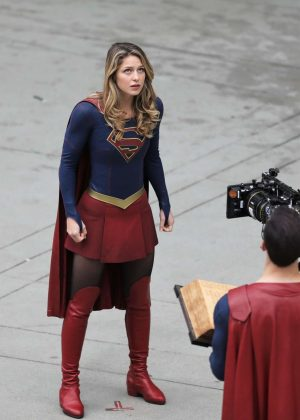 Melissa Benoist - Filming 'Supergirl' in Vancouver