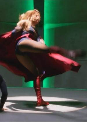 Melissa Benoist - Supergirl S01E08 Hostile Takeover