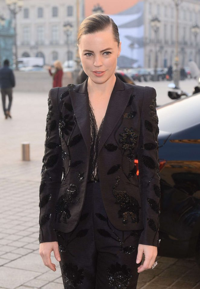 Melissa George - Arrives at Schiapparelli Fashion Show 2017 in Paris