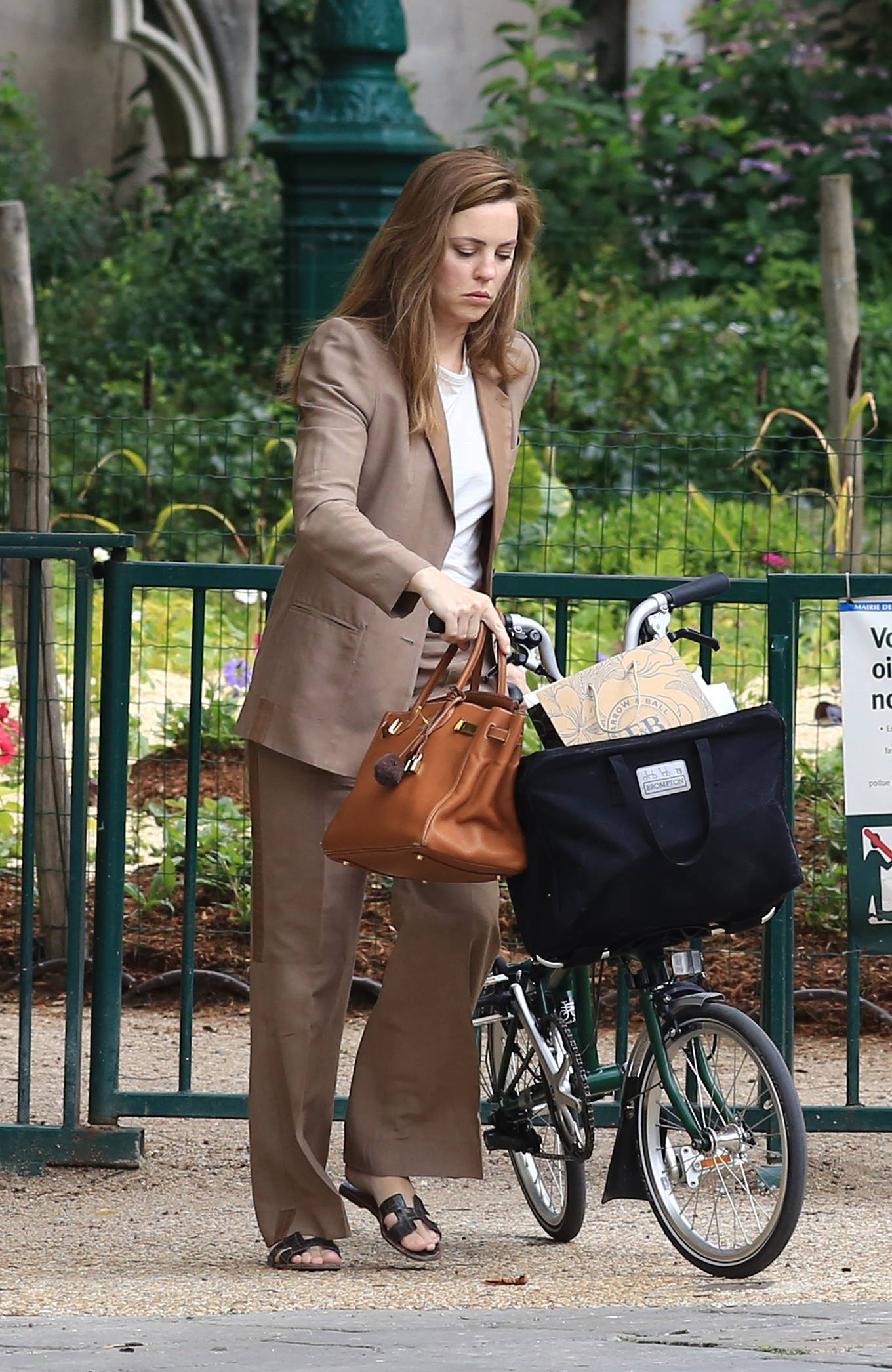 Melissa George - Bike riding in Paris
