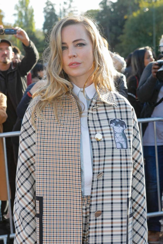 Melissa George - Hermes Fashion Show in Paris