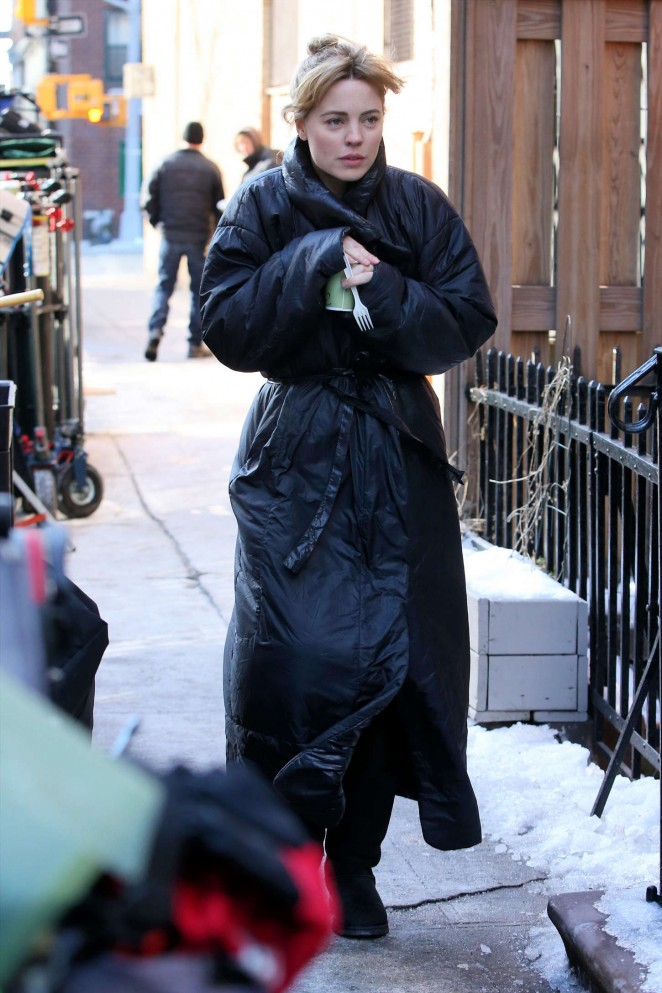 """Melissa George on the Set of """"The Slap"""" in West Village"""