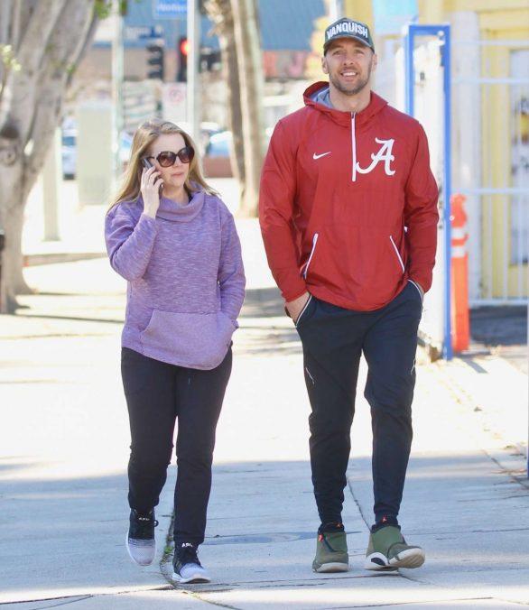 Melissa Joan Hart - Arrives at the gym in Los Feliz