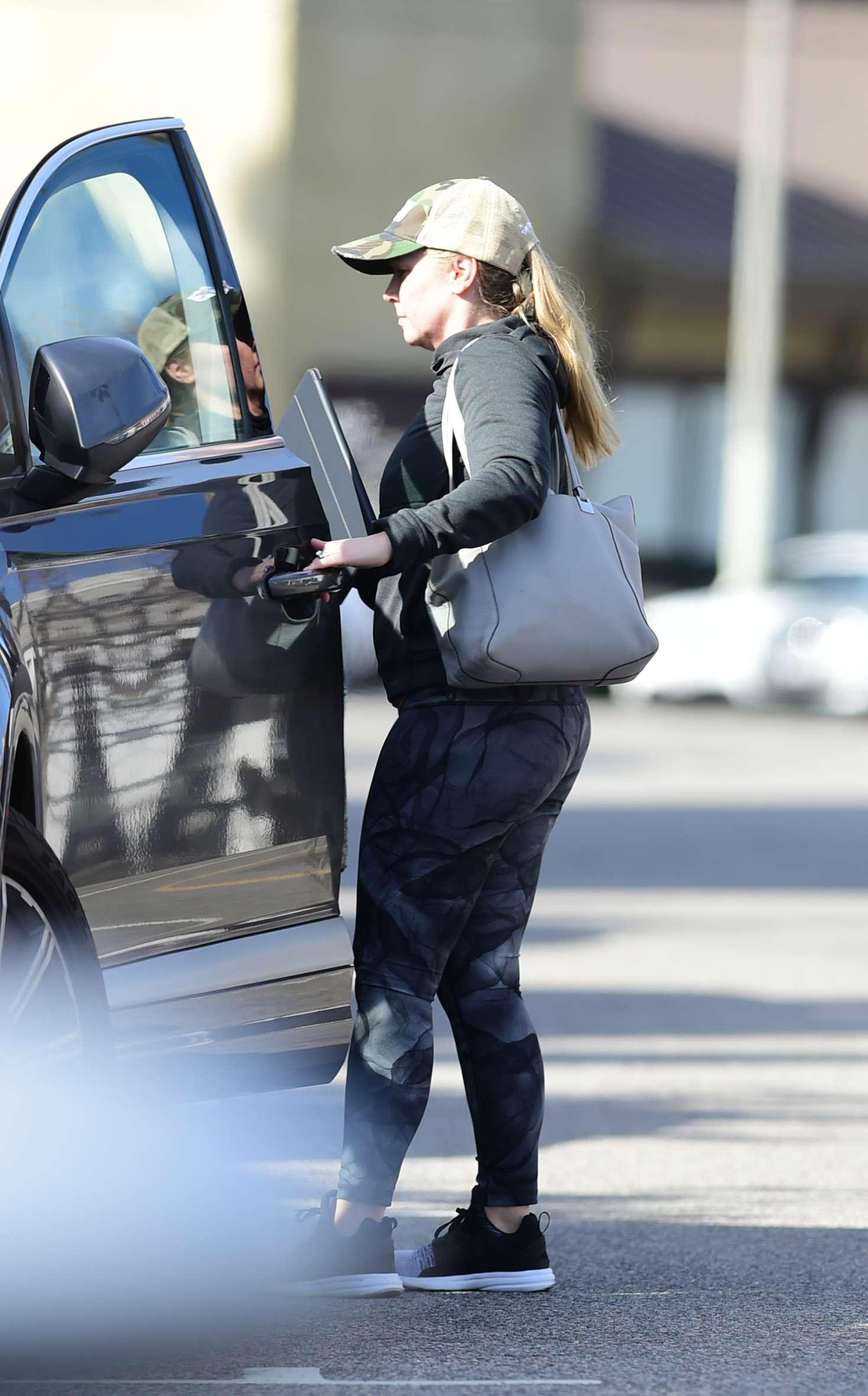 Melissa Joan Hart 2019 : Melissa Joan Hart: Wearing a workout gear -02