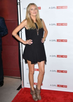 Melissa Ordway : A Girl Like Her Premiere -03
