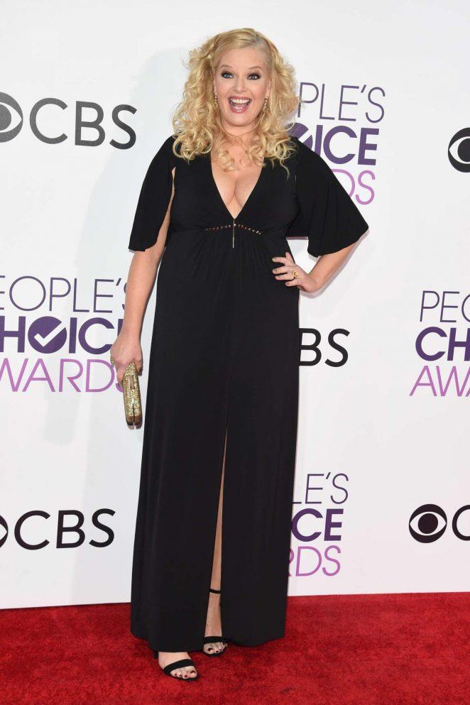 Melissa Peterman: 2017 Peoples Choice Awards -03 - GotCeleb