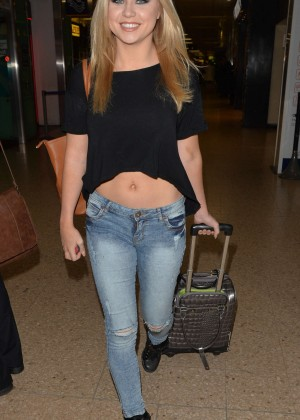 Melissa Reeves in Tight Jeans at Euston Station in London