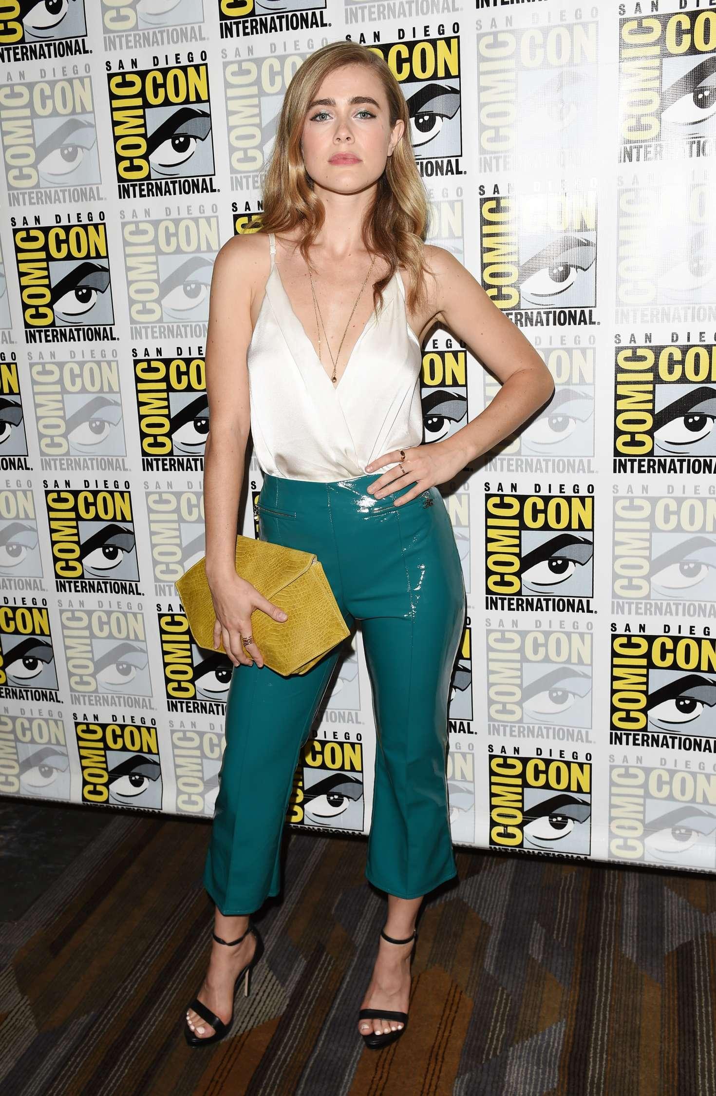 Mercedes Benz Long Beach >> Melissa Roxburgh: Arrow Press Call at 2018 Comic-Con -07 ...