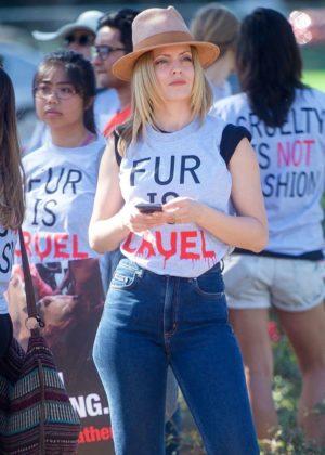 Mena Suvari in Jeans - Joins anti-fur protesters in Los Angeles