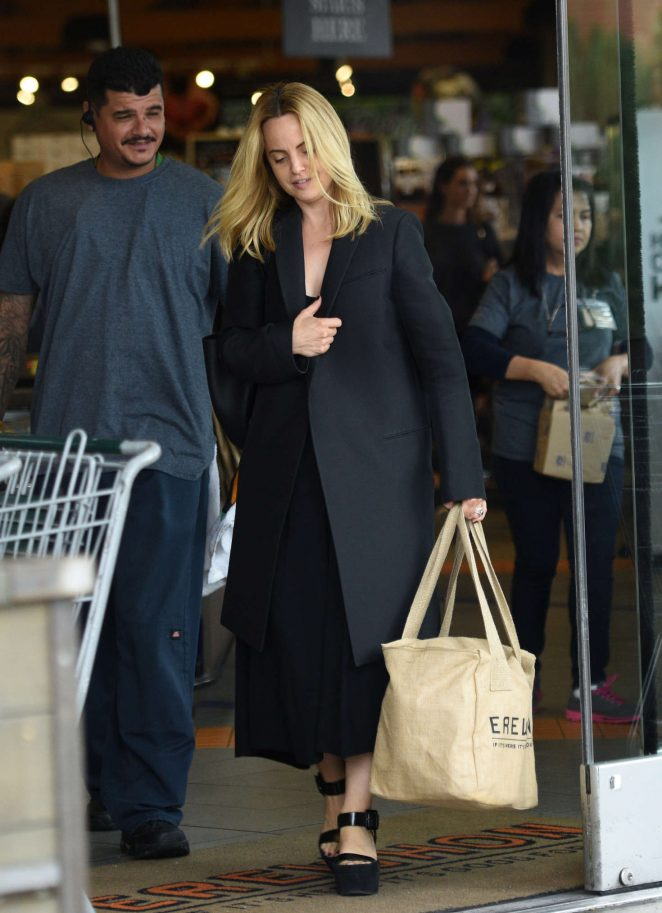 Mena Suvari - Shopping at Erewhon Natural Foods in Los Angeles