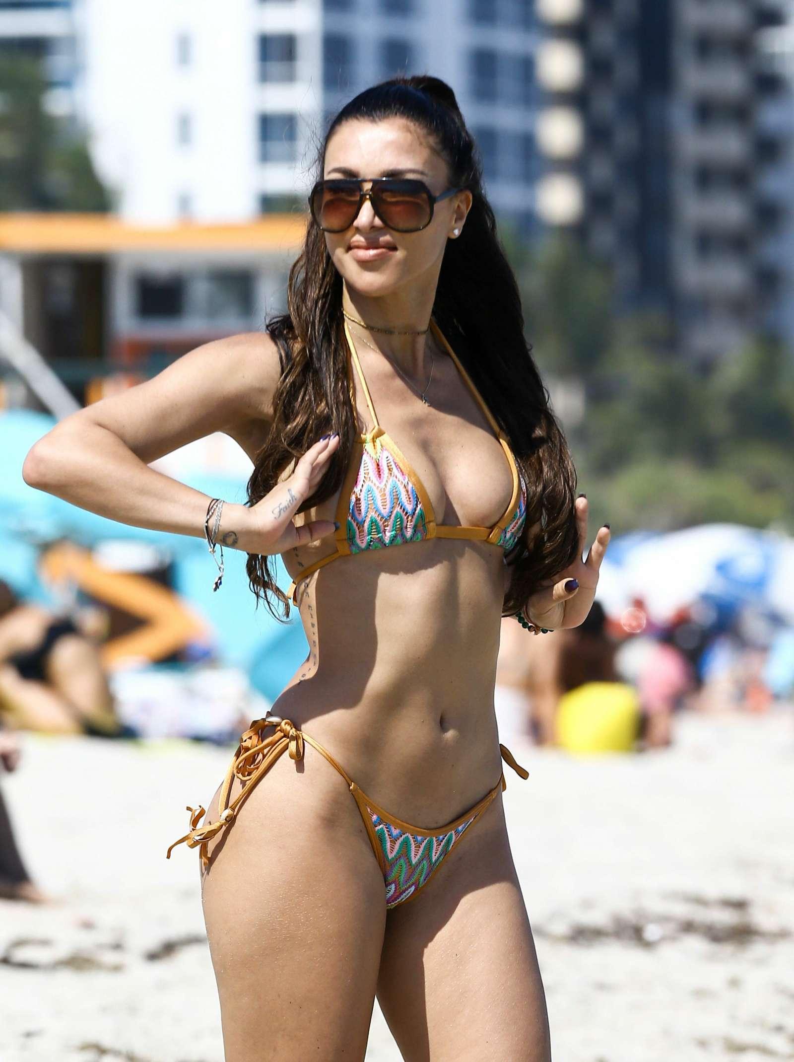 Metisha Schaefer Bikini Photoshoot on Miami Beach Pic 17 of 35