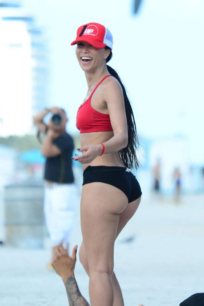 Metisha Schaefer - Workout in Miami